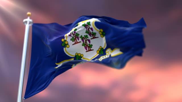 vidéos et rushes de drapeau de l'état du connecticut au coucher du soleil, région des états-unis, ondulant-boucle - alaska état américain