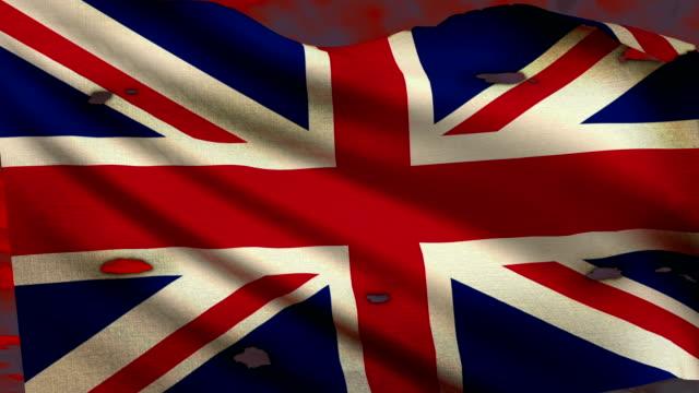 vidéos et rushes de drapeau du royaume-uni en agitant au champ de bataille - première guerre mondiale