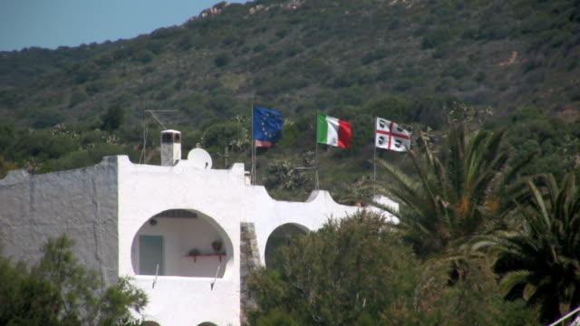 bandiere al vento - sardegna video stock e b–roll