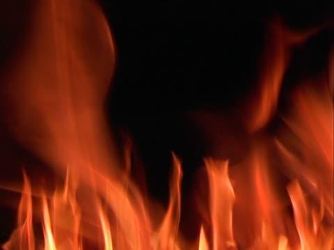 płomienie - 25p postępie klatek - opis fizyczny filmów i materiałów b-roll