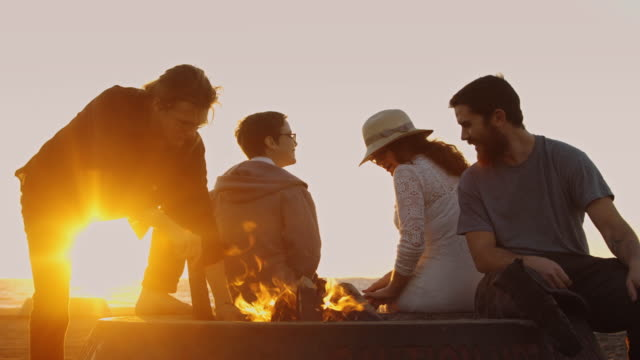 Flaming Sunset and Campfire - Vidéo