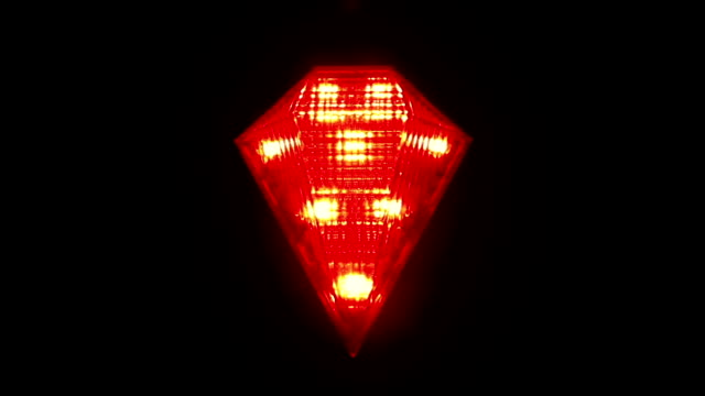 Flashing red signal lamp for bicycle video