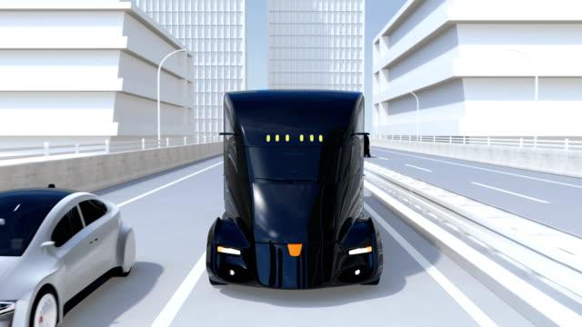 flotte von selbstfahrenden elektrischen halb lkw auf autobahn - drive illustration stock-videos und b-roll-filmmaterial