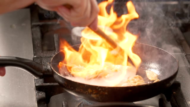 Flembe cooking meat video