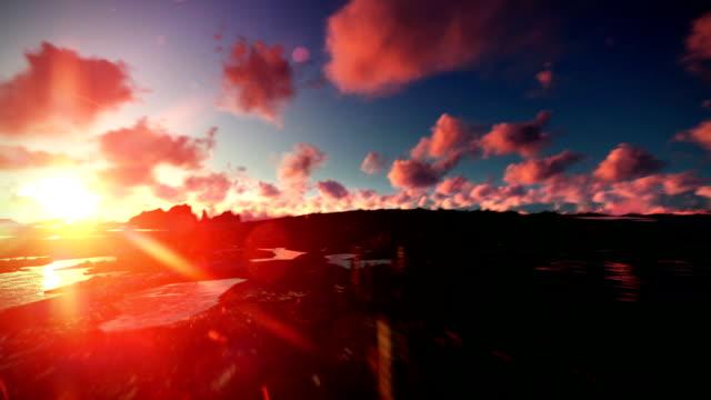 vídeos de stock, filmes e b-roll de voo acima de noite cidade ao pôr-do-sol - sol nascente horizonte drone cidade