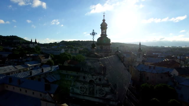 aerial flight around ancient church in lviv. fullhd - lituania video stock e b–roll