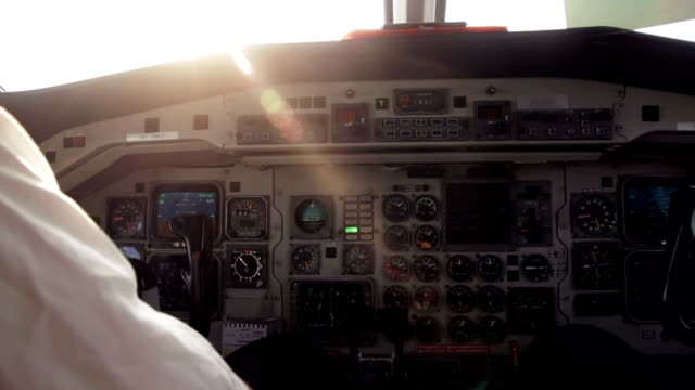 vidéos et rushes de salon flight deck - cockpit