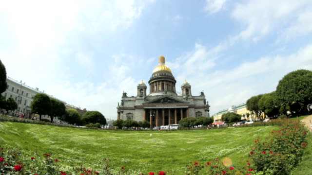 Floating clouds on a sunny day on Saint Isaac's Cathedral in Saint-Petersburg, Russia video