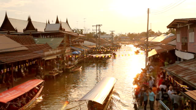 stockvideo's en b-roll-footage met floating market - culturen