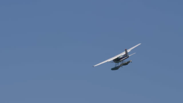 Floatplane Fly Blue Sky Close Up - video