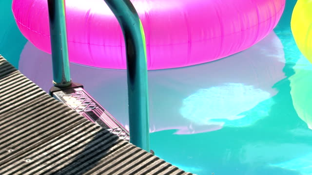 Floats in a pool video