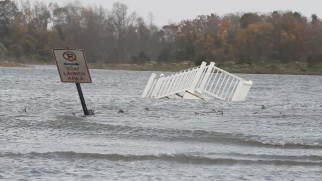 vidéos et rushes de inondations après le passage de l'ouragan sandy - endommagé