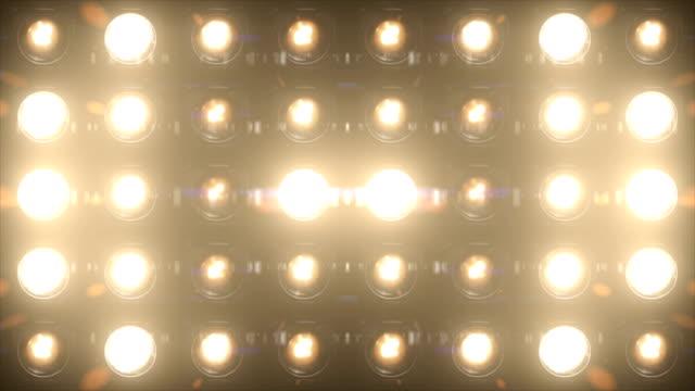 flutlicht leuchtet blinkt wand vj bühne schleife - rampenlicht stock-videos und b-roll-filmmaterial