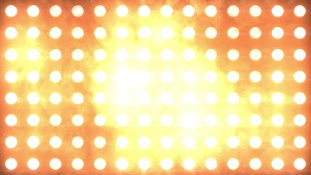 泛光燈閃爍琥珀色 - 明亮 個影片檔及 b 捲影像