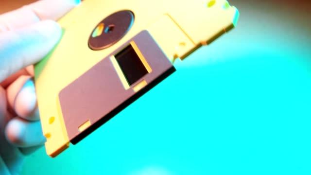 vídeos y material grabado en eventos de stock de un disquete - disquete