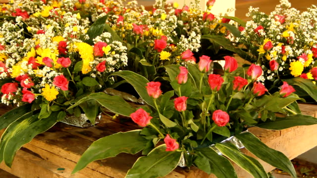Flower stylist video