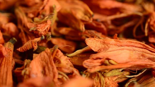 Flower tea from lily petals. video