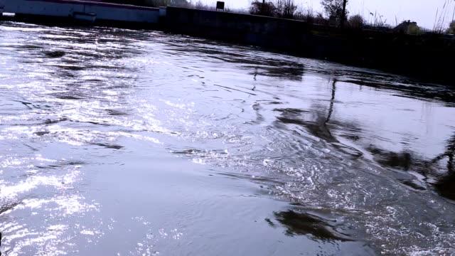 flowing water - харьяна стоковые видео и кадры b-roll