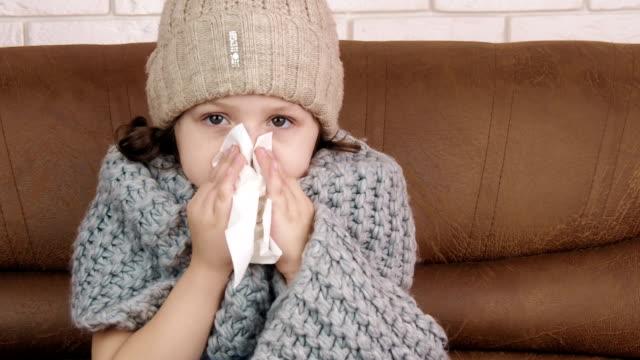 vídeos y material grabado en eventos de stock de la gripe es una nariz que moquea. - flu