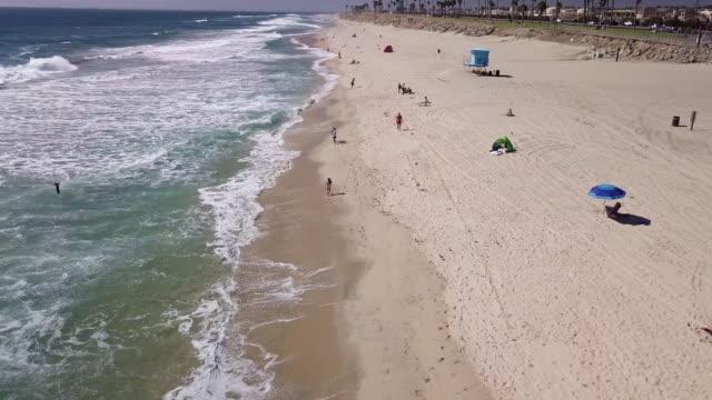 полет вдоль пляжа - побережье мексиканского залива сша стоковые видео и кадры b-roll