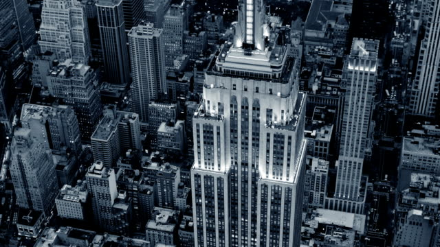 flying around the empire state building. new york city video