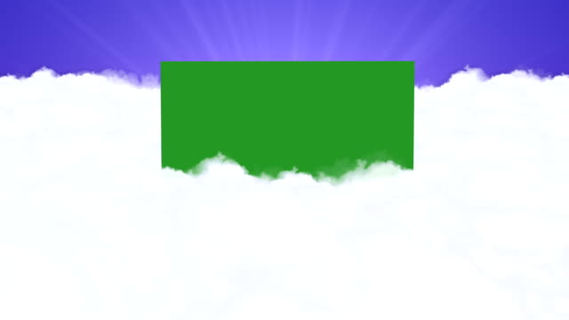 volando tra le nuvole con schermo verde - angelo video stock e b–roll