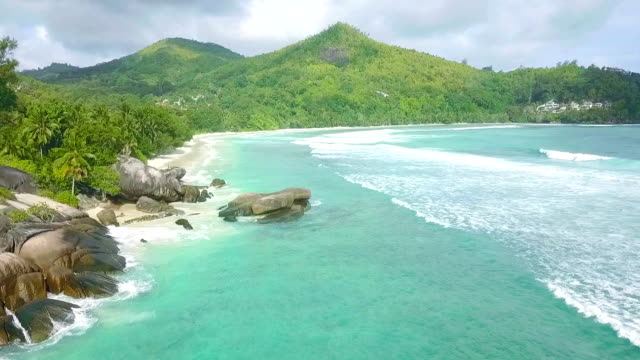 플 라 잉 베 lazare-마헤-세이셸 이상 - 섬 스톡 비디오 및 b-롤 화면