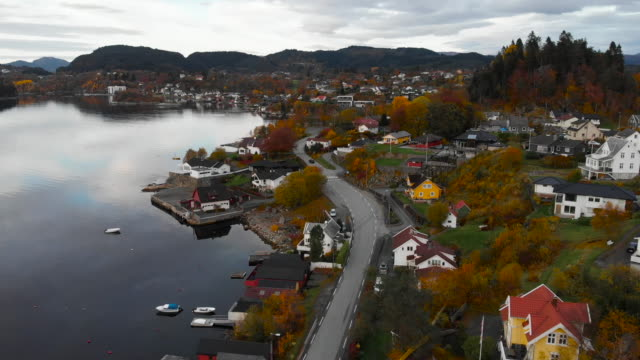 vídeos y material grabado en eventos de stock de volando sobre fana y fanafjorden en bergen - vestland - noruega - bergen