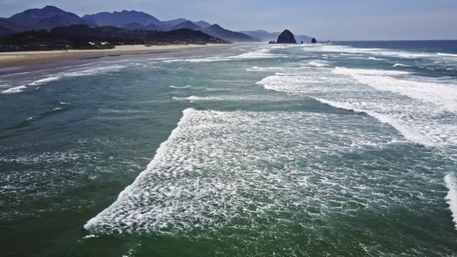 flyger över andra stranden i oregon - kustlinje bildbanksvideor och videomaterial från bakom kulisserna