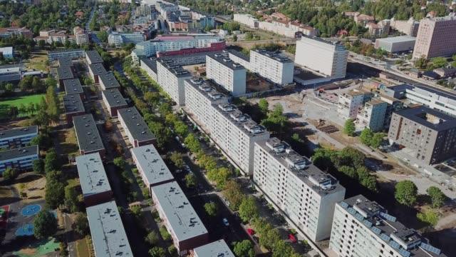 flyger över suburban stockholm, flerbostadshus, centrum sollentuna - stockholm bildbanksvideor och videomaterial från bakom kulisserna