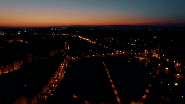 夜にバレンシアの上空を飛ぶ, スペイン - ヘリコプター点の映像素材/bロール