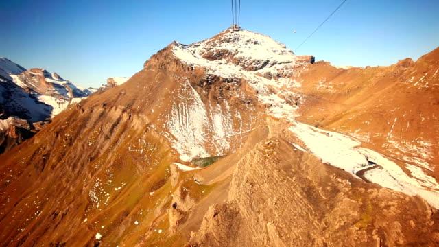 flying to the schilthorn - grindelwald bildbanksvideor och videomaterial från bakom kulisserna