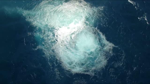 foamy water after ship sinking - погружённый стоковые видео и кадры b-roll