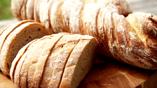 パンに焦点を当てる - 食パン点の映像素材/bロール