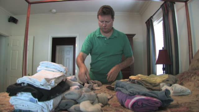Folding Clothes video