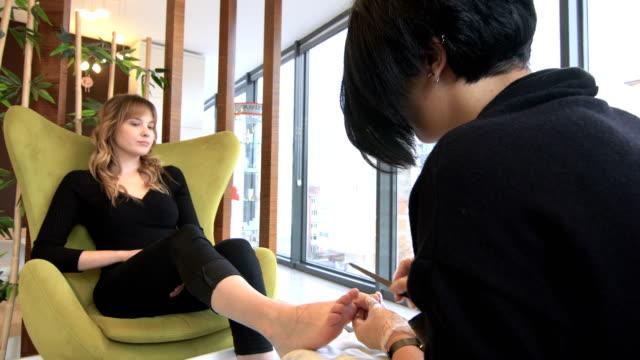 foot nail care, pedicure - pedicure filmów i materiałów b-roll
