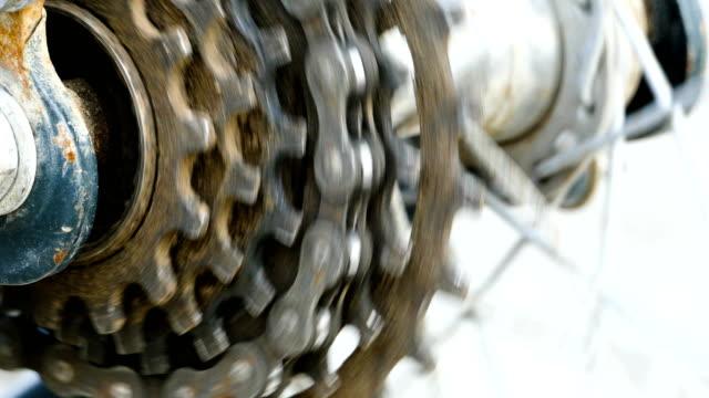 4 k 映像: 自転車のギヤのクローズ アップ - 戦い点の映像素材/bロール