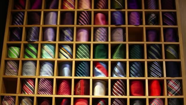 bilder av en garderob full av färgglada band - alternativ bildbanksvideor och videomaterial från bakom kulisserna