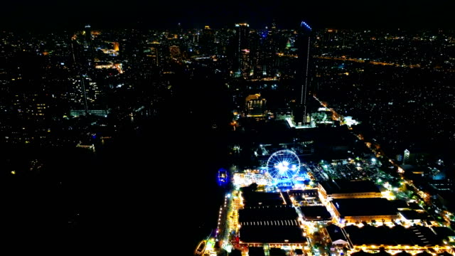 footage of aerial view asia tique at night in bangkok, thailand. - ночной рынок стоковые видео и кадры b-roll