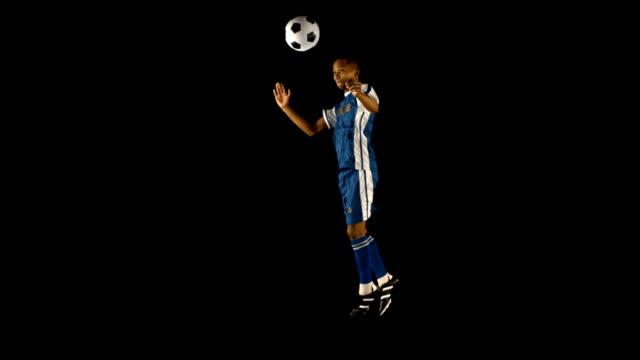 Cabezazo jugador de fútbol - vídeo