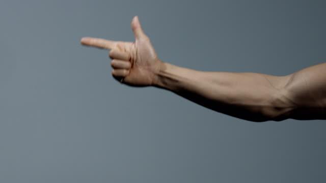 forearm and hand of a fitness model - napinać mięśnie filmów i materiałów b-roll