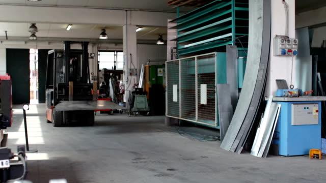Carretilla elevadora en la máquina Industrial - vídeo