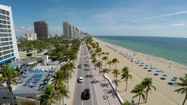 fort lauderdale beach & road aerial fly north - gulf coast states stock videos & royalty-free footage