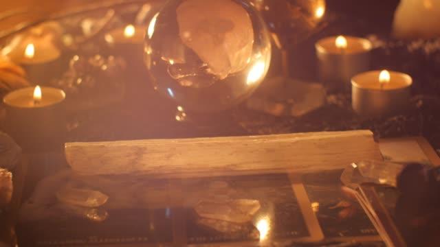 フォーチュン テラー霊魂媒体将来テーブルを読んでセットアップ ビデオ