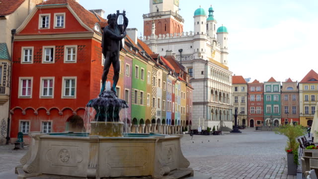 fountain with statue in old town square of poznan at poland - renaissance architecture stock videos & royalty-free footage