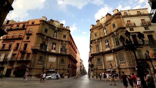 Four Corners, Piazza Vigliana