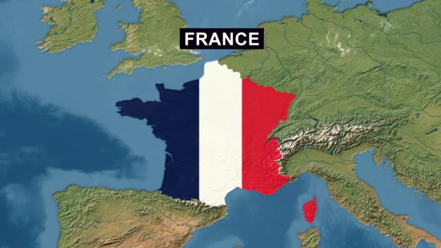 vidéos et rushes de carte de france avec le drapeau français, zoomez sur carte du terrain france vue perspective large - carte france