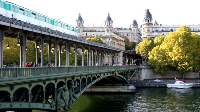 francia, parigi, vista della metropolitana - subway video stock e b–roll