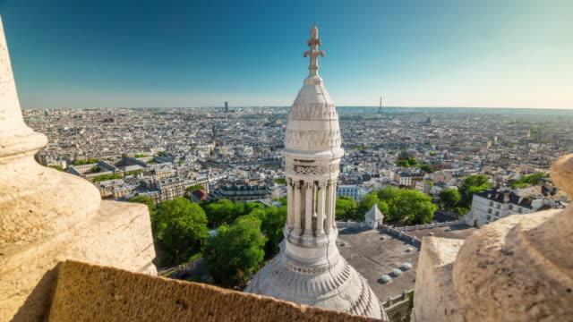 frankrike sommar dag basilikan sacre observation däck paris panorama 4k tidsfördröjning - montmatre utsikt bildbanksvideor och videomaterial från bakom kulisserna