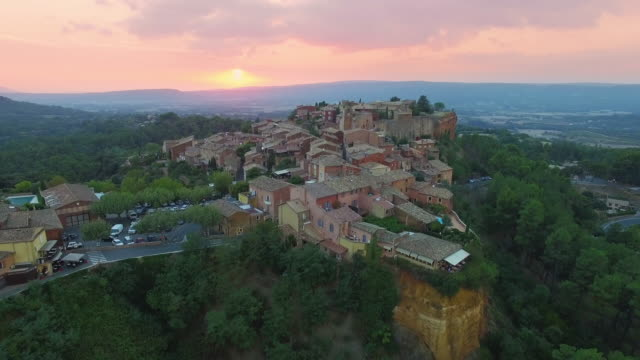 France, Vaucluse, Roussillon, Parc Naturel Regional du Luberon video
